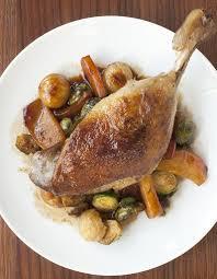 cuisiner cuisse de canard confite cuisses de canard confites pour 2 personnes recettes à table