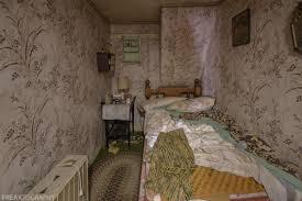 tiny 4 bedroom abandoned house freaktography