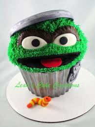 Easy Giant Cupcake Decorating Ideas Best 25 Giant Cupcake Cakes Ideas On Pinterest Toadstool Cake
