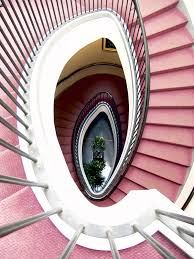 teppich treppe teppich auf einer treppe verlegen so wird s gemacht