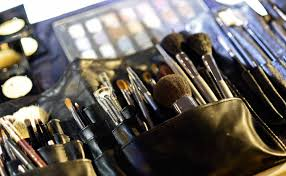 6 mistakes you u0027re making with makeup brushes u0026 how to avoid them