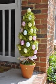 Easter Sunday Table Decorations by The 25 Best Outdoor Easter Decorations Ideas On Pinterest Happy