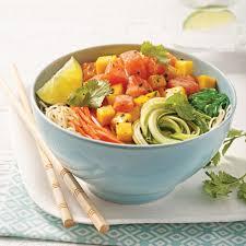 cuisiner vermicelle de riz poke bowl au saumon mangue et vermicelles de riz recettes