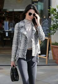 kendall jenner casual jenner casual style at williams sonoma in calabasas 1 14 2016