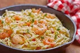 comment cuisiner les crevettes congel馥s ces spaghettis aux crevettes et à l ail sont à tomber découvrez