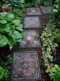 30 beautiful diy stepping stone ideas to decorate garden