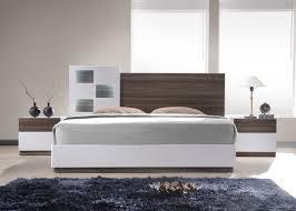 White Platform Bedroom Sets Sanremo White Lacquer Queen Size Bedroom Set By J U0026m Furniture