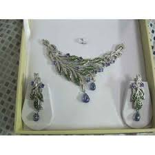 necklace set box images Enamel diamond necklace set emerald necklace set johari bazar jpg