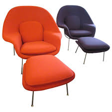 eero saarinen womb chairs and ottomans by knoll at 1stdibs