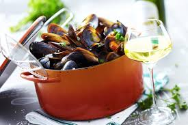 cuisiner des moules au vin blanc recipe for mariner s mussels in riesling vins d alsace