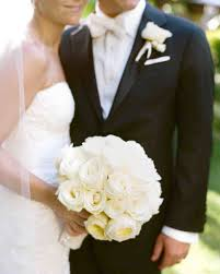 Wedding Flowers Keepsake Which Wedding Bouquet Matches Your Personality Martha Stewart