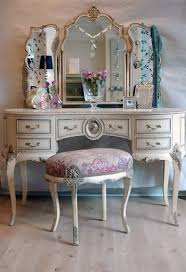 echoes of vintage glamour in this charming vanity table haute