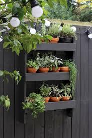 Diy Vertical Herb Garden 16 Beautiful Garden Decorating Ideas Futurist Architecture