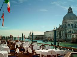 Cliffside Restaurant Italy by The World U0027s Most Spectacular Waterfront Restaurants Photos