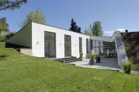 Eco Friendly House by Eco Friendly House In Bunker Style Home Architecture Playuna