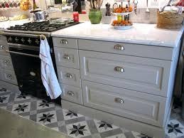 poignee et bouton de cuisine poignee de meuble de cuisine pas cher bouton de porte de cuisine