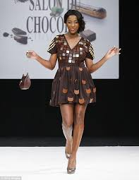 edible clothing salon du chocolat fashion show dresses made of chocolate daily