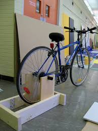 Diy Bike Desk by Bikes Diy Stationary Bike Stand With Resistance Bike Rollers Vs