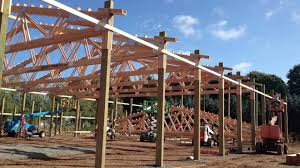 Barn Truss Raising Trusses Marv U0027s Pole Barns Inc Youtube