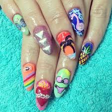 celebrate summer with these 42 palm tree nail designs 40