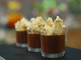 spicy chocolate mousse with crumble vegetarian recipe foodfood