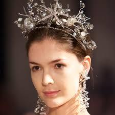 best hair accessories the best wedding hair accessories from bridal fashion week
