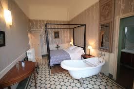 chambre insolite avec chambres d hôtes insolites en bourgogne à vermenton abbaye de reigny