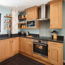 best wood kitchen cabinets a guide to the best colours to complement oak kitchens