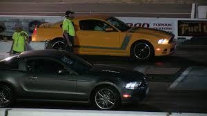 Mustang Boss 302 Specs Mustang Gt 5 0 Vs Mustang Boss 302 Drag Race 1 4 Mile Youtube