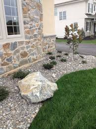 Dirt Backyard Ideas River Stone Landscaping This Landscaping Renovation In Mulch Vs
