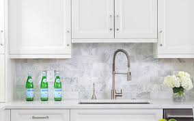 white kitchen cabinets with backsplash the best kitchen backsplash ideas for white cabinets kitchen design