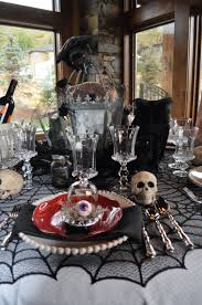 ways to decorate your table for a halloween dinner party creepy