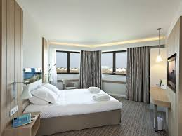 hotel dans la chambre normandie hôtel riva by thalazur 4 étoiles est situé à la pla
