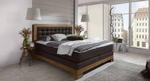 schlafzimmer boxspringbett boxspringbett mit nachttisch und kleiderschrank aronia