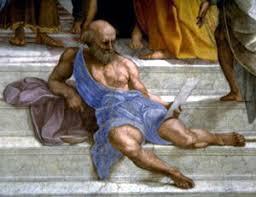 Dygoène vu par Raphaêl -détail de la fresque l'école d'Athènes - En 1508, Raphaël (qui a signé dans le cou d'un des personnages, Euclide) est nommé officiellement peintre de la papauté, et réalise la fresque entre 1509 et 1512 pour les appartements de Jules II. Elle possède des dimensions impressionnantes : 7,70 x 4,40 m, dont une partie arrondie de 770 sur 250 cm. Les couleurs dominantes sont l'ocre, le beige et le pastel. L'orange et le bleu sont complémentaires dans cette peinture. L'utilisation de la lumière et de l'ombre est, à l'époque, une particularité.