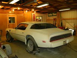 listen to the v8 howl so tell me what u0027s it really like to drive a muscle car cars