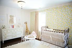 tapisserie chambre bebe déco mur chambre bébé 50 idées charmantes