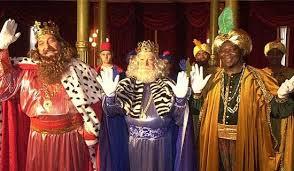 fotos reyes magos cabalgata madrid los reyes magos acuden a su cita con los niños en cabalgatas más