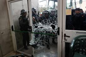 referendum catalonia ricuh polisi tembakkan peluru karet