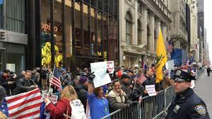 Trump Tower Ny Pro Trump Rally Held Outside Nyc U0027s Trump Tower Am New York