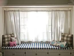 Bay Window Treatment Ideas by Chic Bay Window Design With Curtains And Cushions Seat Ideas For