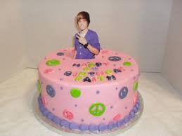 justin bieber is now on people s birthday cakes