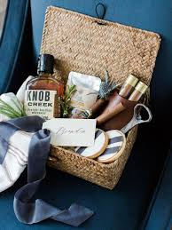 how to put together the gift baskets