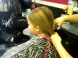 pictures of salon hairstyles for 8 yr old girl 8 year old girl donates her hair to wig s for kids youtube