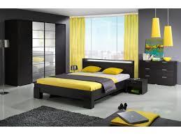 Schlafzimmer Beige Rot Haus Renovierung Mit Modernem Innenarchitektur Geräumiges Ideen