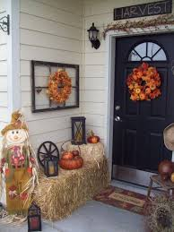 Pictures Of Front Porches Decorated For Fall - 30 cozy thanksgiving front door décor ideas digsdigs