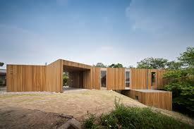 steep slope house plans sleek cantilevered home myhousespot com