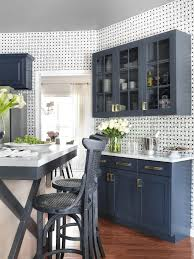 cabinets in small kitchen tips to choose kitchen cabinet for a small kitchen small