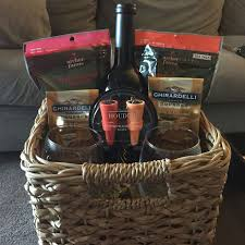 what to put in a wine basket best 25 wine baskets ideas on wine gift baskets