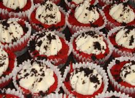 mini red velvet cheesecakes with oreo crust u0026 mascarpone whipped